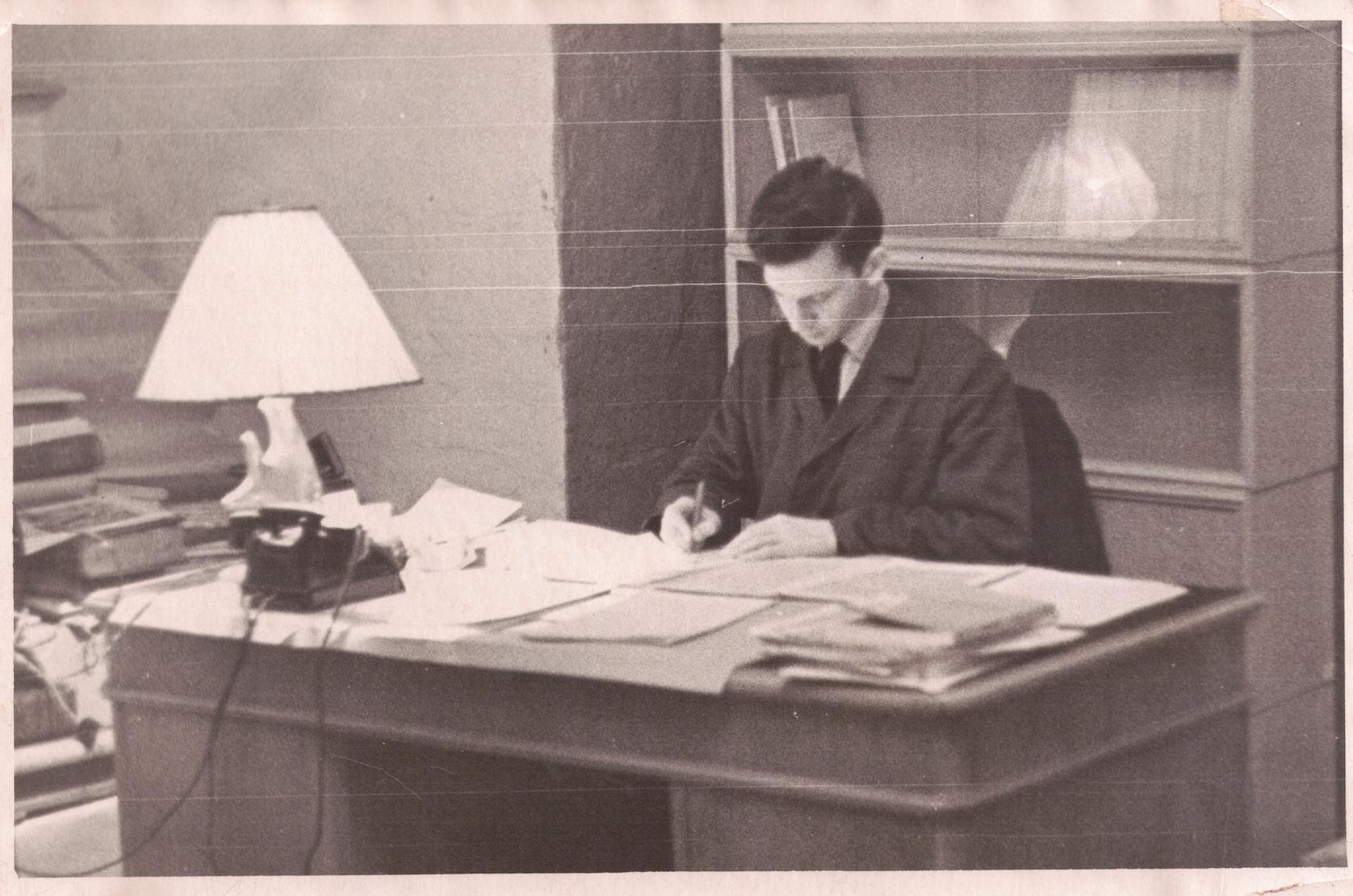 1964 г. В подвале редакции Журнала Московской Патриархии.